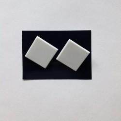 Náušnice klipsy kostky bílé